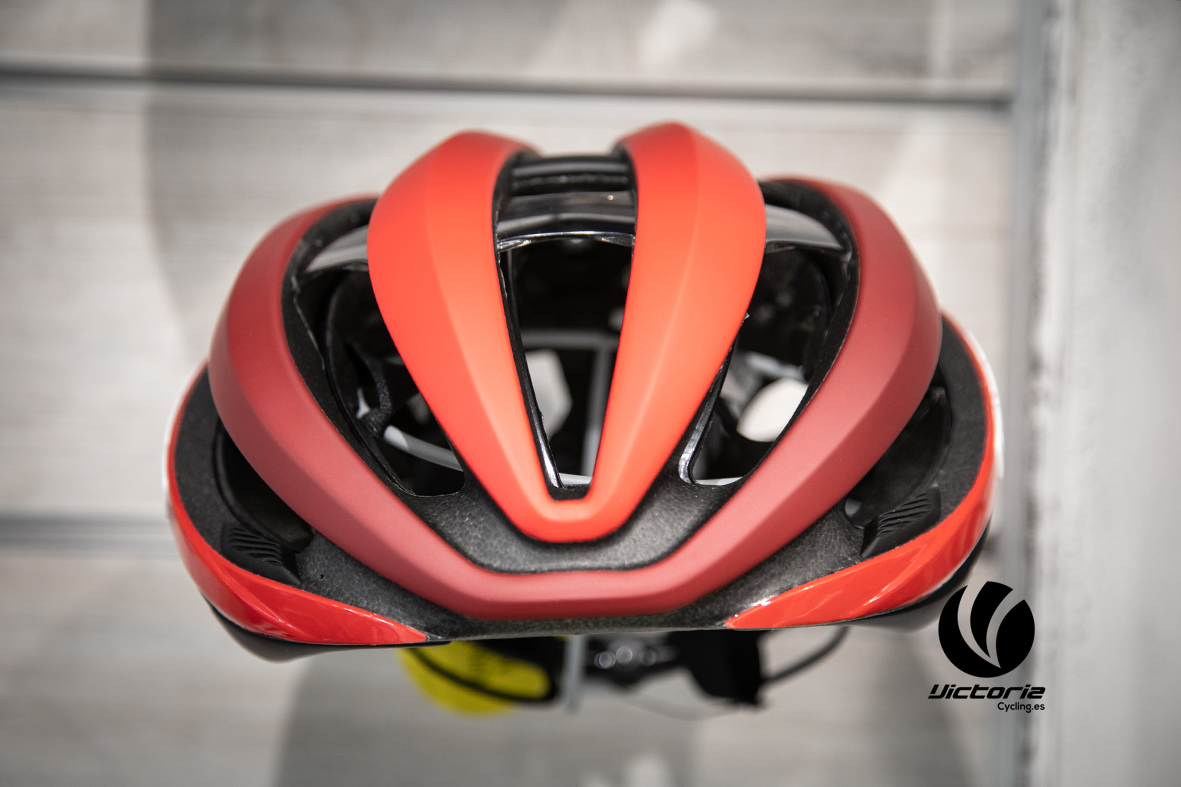 Casco Ciclismo Giro AETHER MIPS en Victoria Cycling